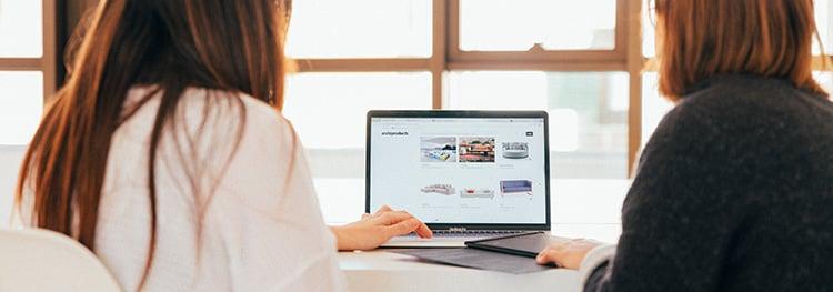 8 vigtige spørgsmål om din nye hjemmeside – sikkerhed, design, anmeldelser og hastighed